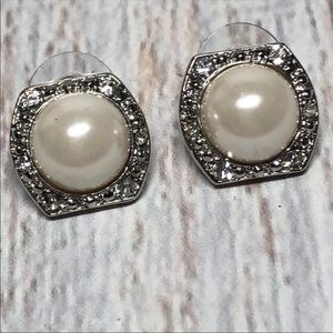 Vintage Pearl Rhinestone Studs Earrings 42